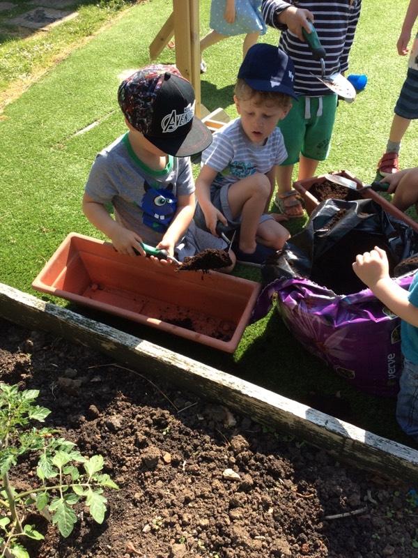 digging outside preschool